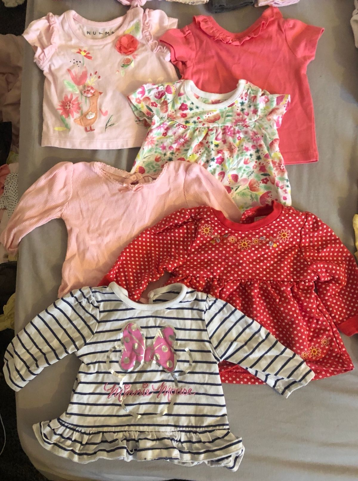 Here are Some Tips for Buying Newborn Girl Clothes